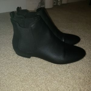 Women's Old Navy Faux Leather Black Booties 9